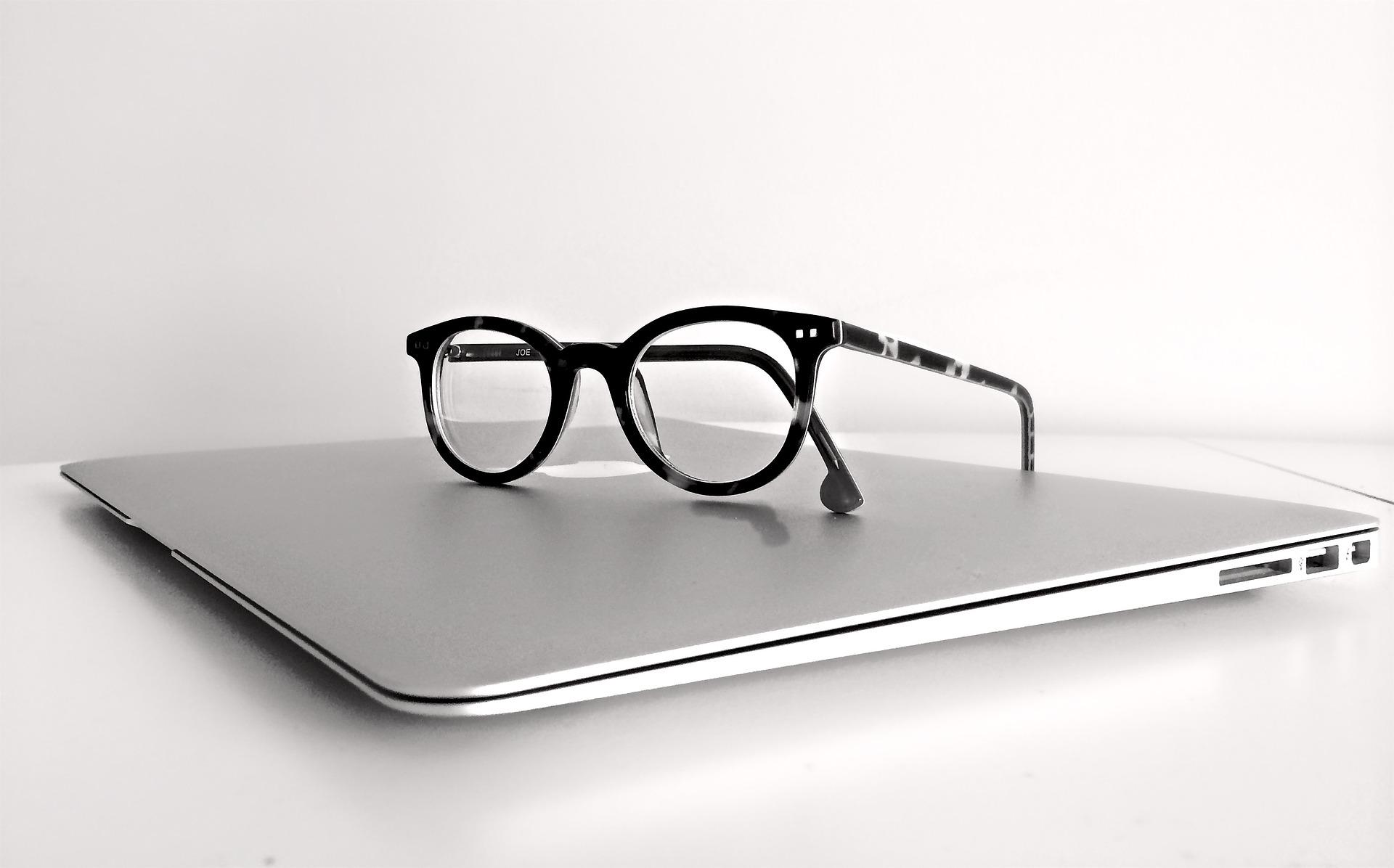 okulary praca